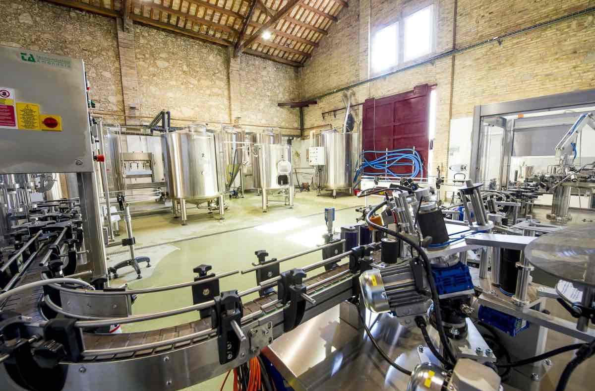 Beercar-Barcelona-Fabrica-Interior-Produccion@2x