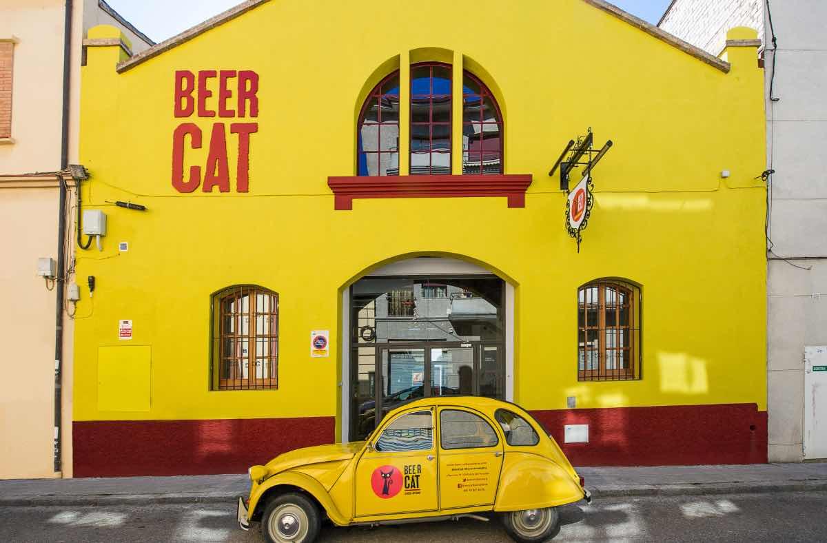Beercar-Barcelona-Gastrobar-Exterior@2x