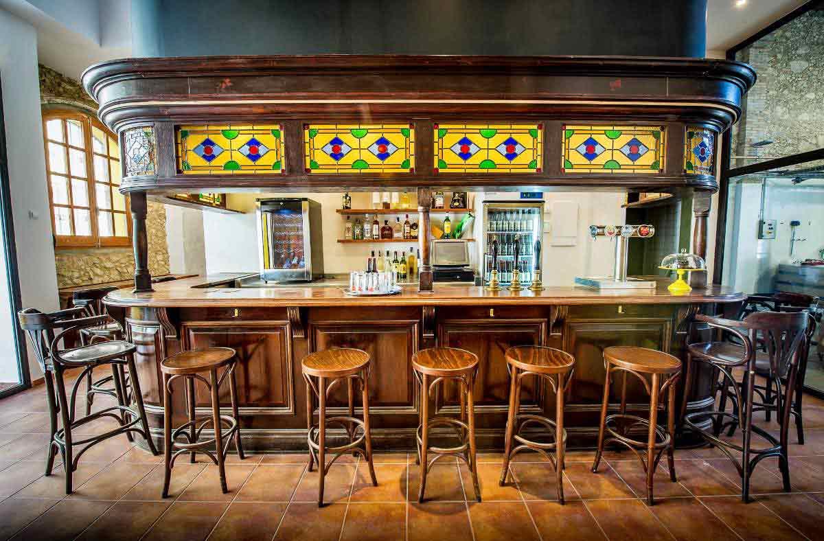 Beercar-Barcelona-Gastrobar-Interior-Barra@2x
